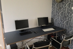 Eiermann E2 tafel met tafelblad met linoleum