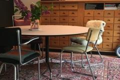 Eames segmented table met berken multiplex blad met Fenix